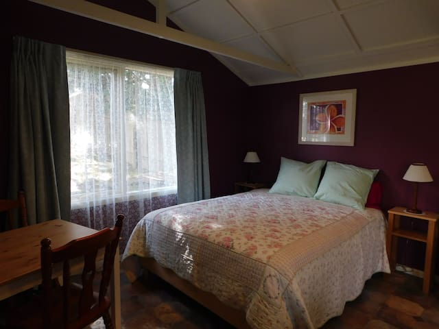 Cosy Cabin Retreat. Wentworth Falls - Wentworth Falls