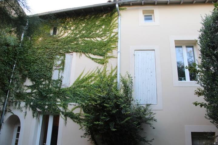 Charmante maison de village avec patio - Barbentane - Ev
