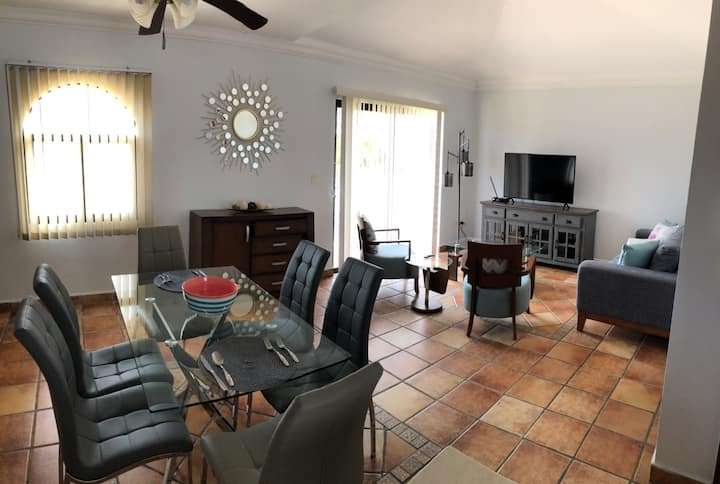 ()Beautiful apartment near downtown DELUXE
