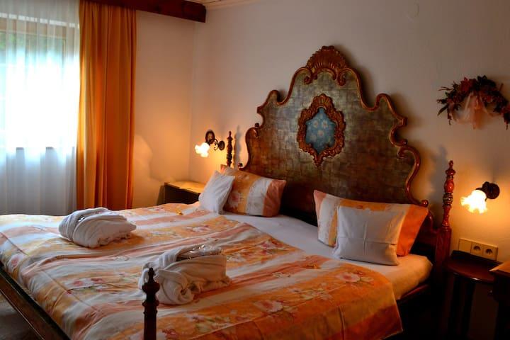 Haus Bachschwalbe, (Sasbachwalden), Ferienwohnung Dompfaff, 75qm, 2 Schlafzimmer, max. 4 Personen