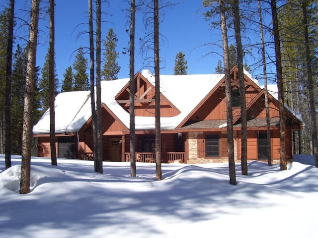 Moose pads near winter park co cabins for rent in fraser for Winter park colorado cabins