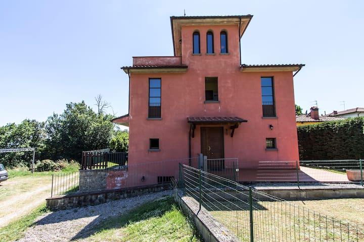 APPARTAMENTI E  PISCINA IN TOSCANA - Loro Ciuffenna - Apartment