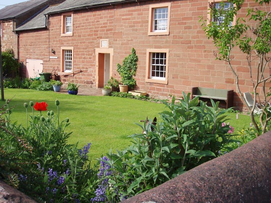 Midtown Farmhouse - 18th Century Cumbrian farmhouse