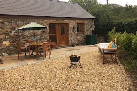 Superbly located, converted Pembrokeshire Barn