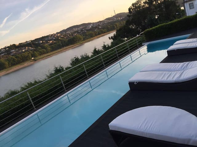 The Douro River House - Oporto - São Cosme - House