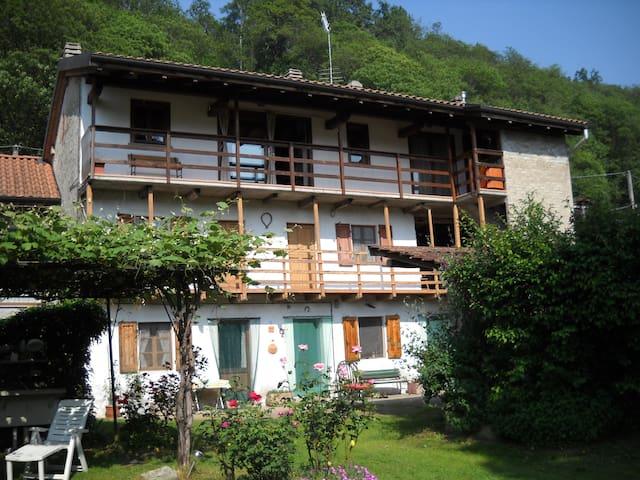 La Cascina-Dimora tipica delle colline piemontesi - Ameno - Apartmen