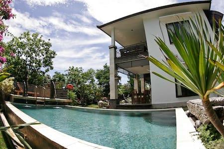 Real Surf Villa Bali Penthouse Suite. - South Kuta