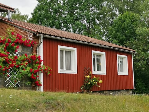 Entire house with big garden for up to 6 persons