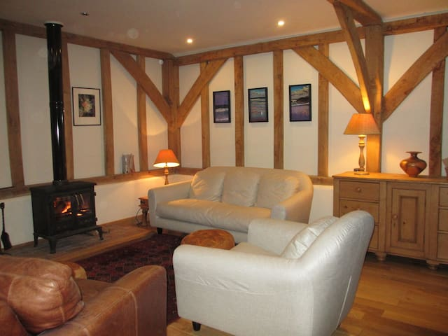 Oak framed timber clad cottage - Loxwood - Overig