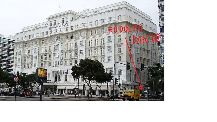 Rodolfo Dantas street e Copacabana Palace Hotel