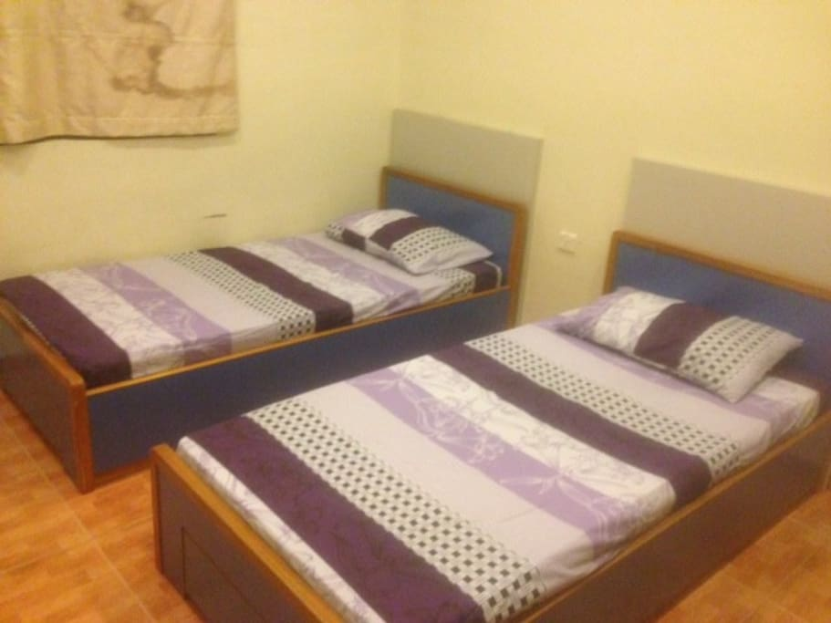 Rooms with 2 X Single Beds