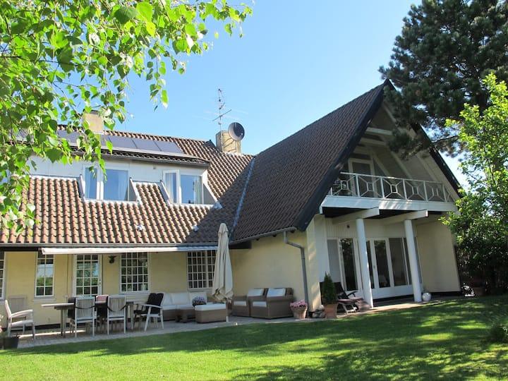 Beautifull Villa by Hornbaek Lake and Beach