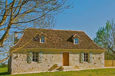 Romantic Couples Hideaway Dordogne - Sainte Sabine Born near Bergerac - Hus