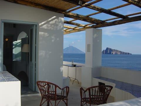 PICCIRIDDA, MAGICAL HOUSE OVERLOOKING THE SEA