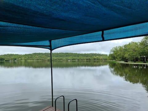 Getaway on the lake bungalow 18
