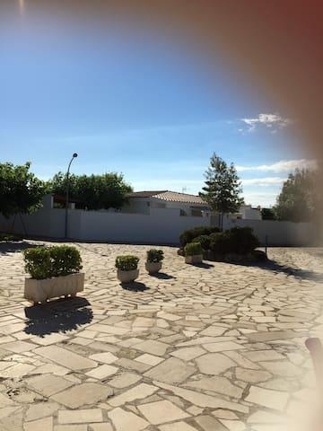 Bungalow serca de golf Panoramica i Restaurante - Castelló