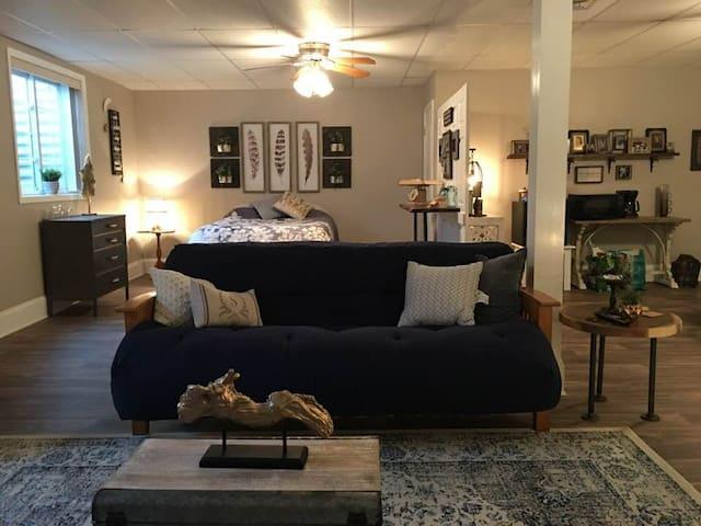 Guest Suite Living Room/Bedroom