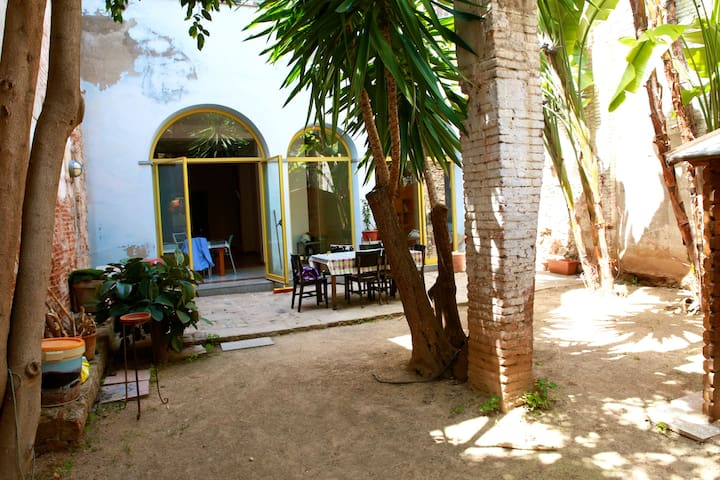Doble room + bathroom + garden WOW2 - Barcelona - Casa