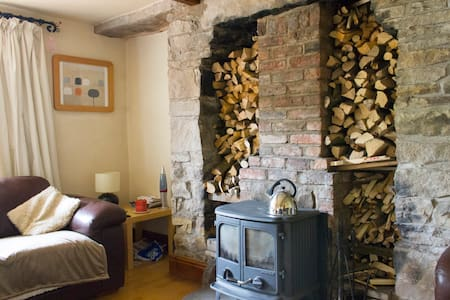 Rural cottage 30mins to Manchester - Charlesworth - Casa