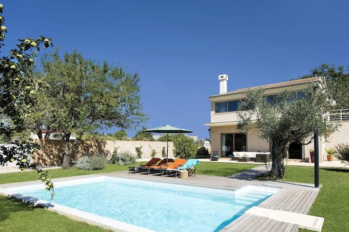 Sunny Summer House 4*