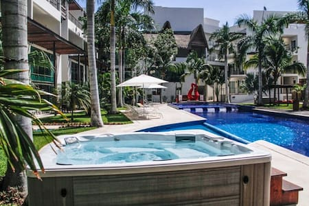 Best pool and place. Luxury 2 bed - Playa del Carmen