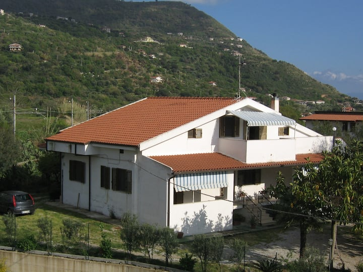 Holiday House Villa Patricia-3 Rooms Apartment