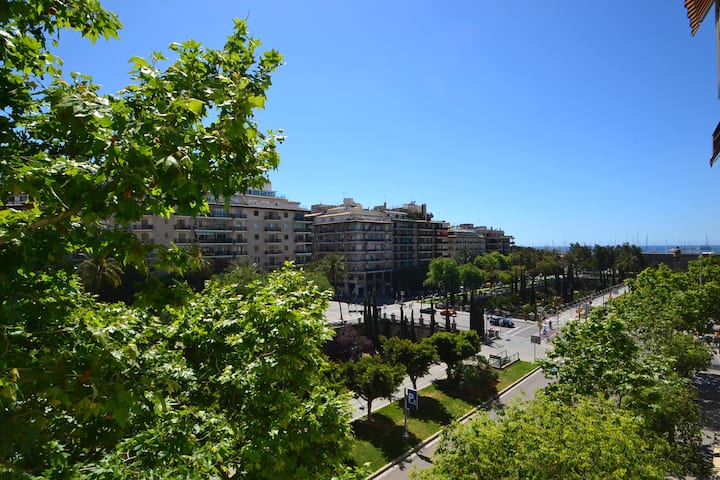 Paseo Mallorca with outstanding views