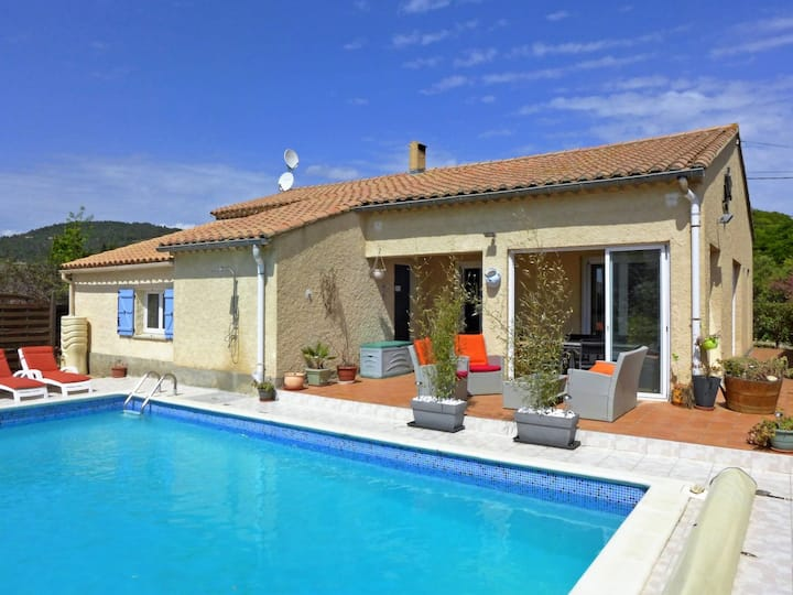 Villa with private pool in Aude