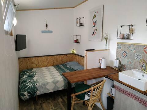 Petit studio avec terrasse proche Bordeaux+Parking