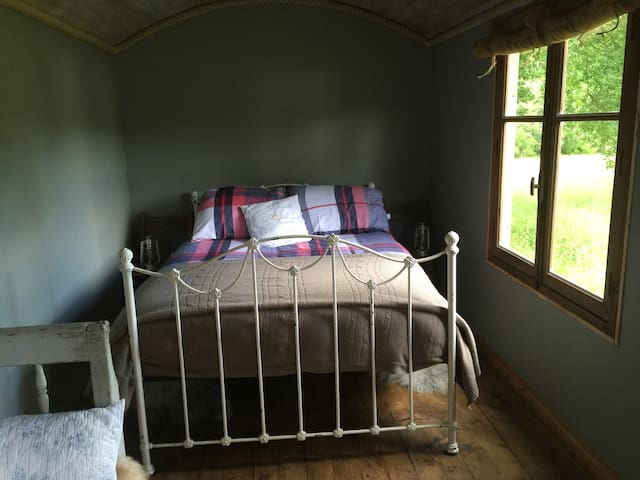 Shepherds hut N012 - Kent