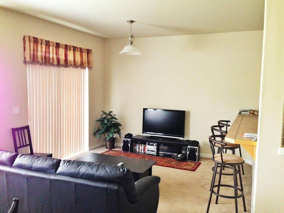 Living area, TV and Internet