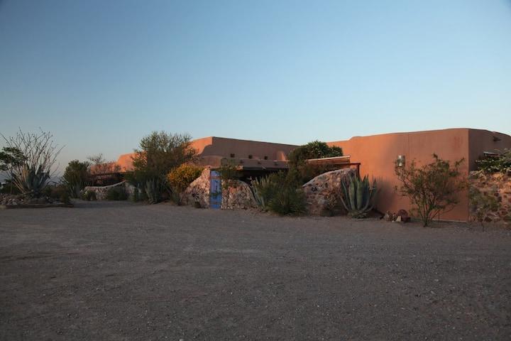 Casa de Suenos nr El Paso Oso