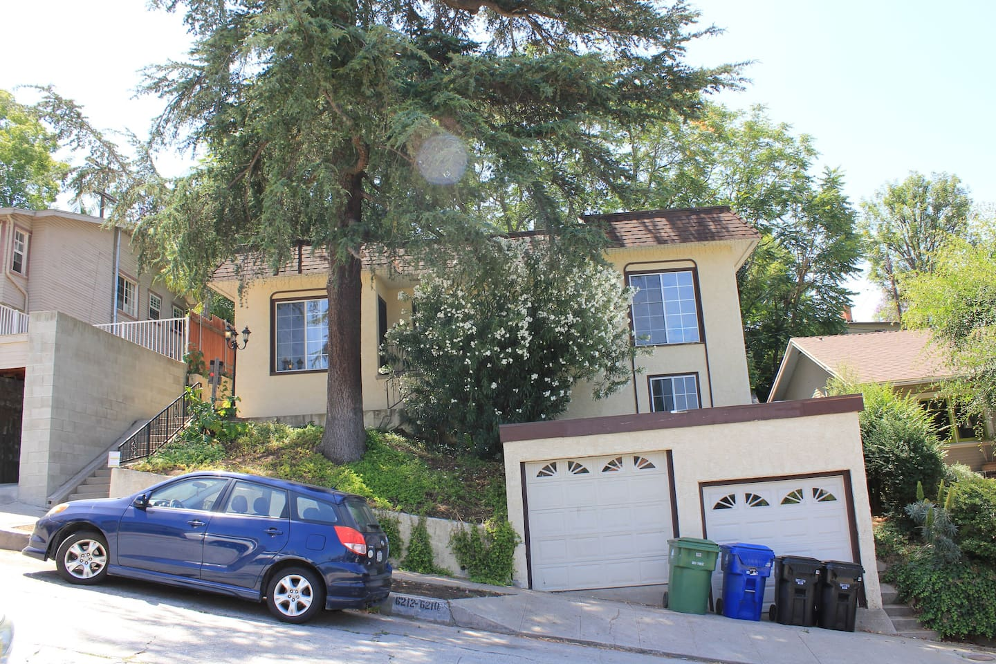 Highland Park duplex with ample street parking.