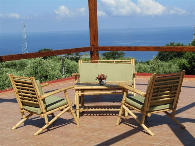 Views on Eolie Islands holiday home near Tropea - Ricadi - Huis