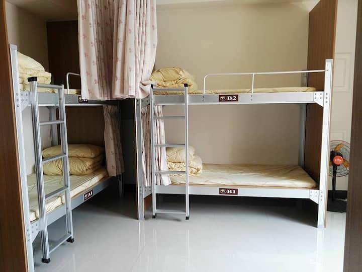 近集集火車站-十人房柏室E1(one bed for one person)-旅安背包客民宿驛站