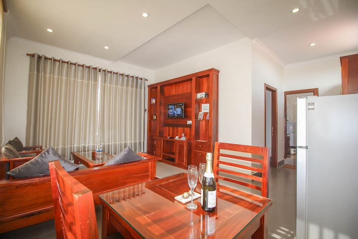 Designer Apartment with big Kitchen! Free Pick Up - Krong Siem Reap - Lägenhet