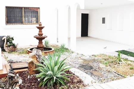 Casa a 3 cuadras de la playa - Mazatlán