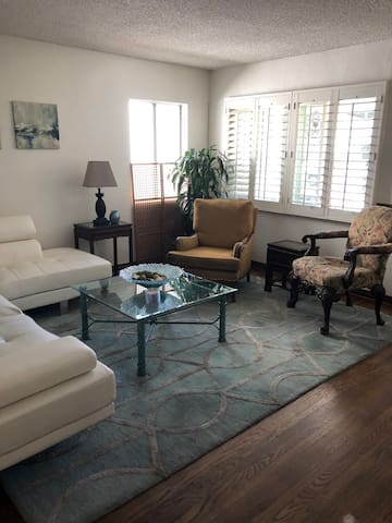 Charming - Private 2 Bed Room House