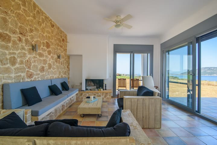 Μεζονέτα με θέα την θάλασσα - Marathopoli - House