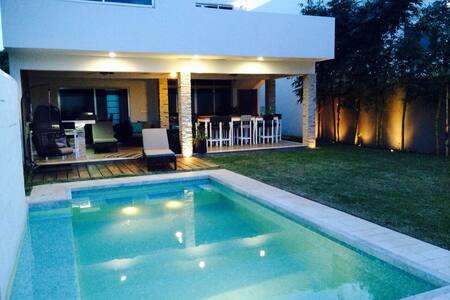 Casa de lujo - Chetumal - Dům