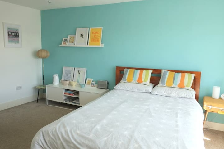 Large private ensuite double bedroom. - Morecambe - Haus