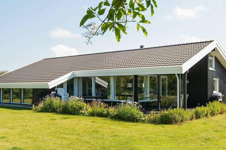 Maison de vacances luxueuse à Lønstrup avec sauna