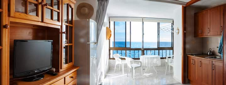 Cousy front beach apartment