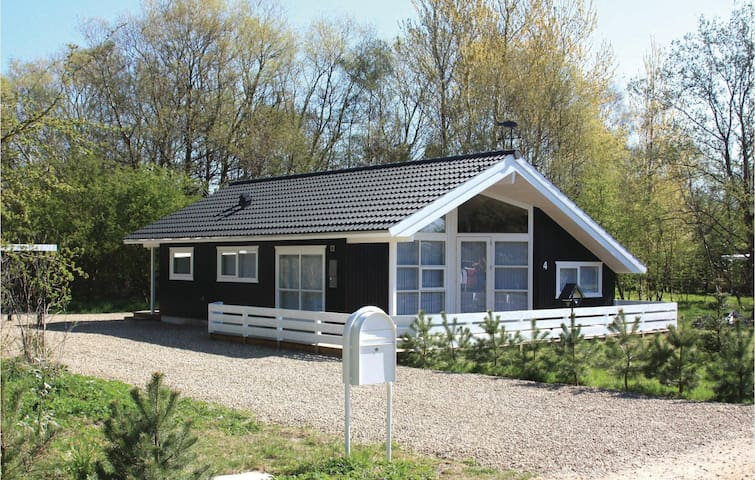 Holiday cottage with 2 bedrooms on 70m² in Sjællands Odde