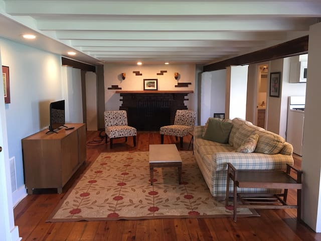 Lovely 2 bedroom Beach Rental in the Indiana Dunes