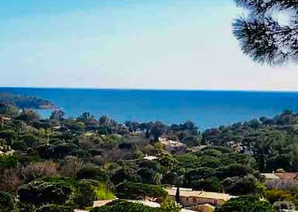 Mazet de charme superbe vue mer golfe de StTropez