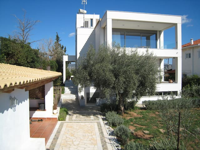 ATHENES-SOUNION RIVIERA - Agia Marina - Casa
