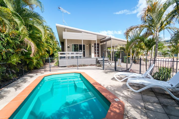 Dolphin Escape Holiday House