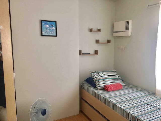 Near IT Park• Minimalist Studio• FAST WIFI