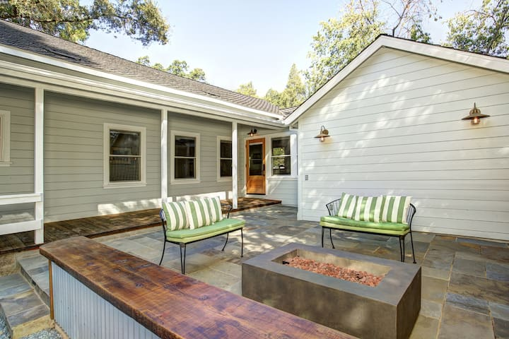 The Wright House - V Vacation Rentals